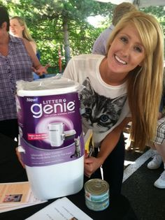 Everybody who came got a free Litter Genie! #cats #pets #lovesavestheday