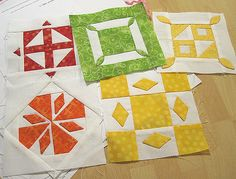 Dear Jane tutorials -  AWESOME!  Note:  These tutes don't give you patterns, just help with each block>