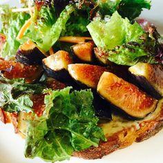 Tartine de queso azul con higos