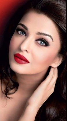 aishwarya rai most beautiful women World Most Beautiful Woman, Most Beautiful Faces, Most Beautiful Indian Actress, Beautiful Lips, Beautiful Actresses, Beauty Full Girl, Beauty Women, Aishwarya Rai Makeup, Aishwarya Rai Photo