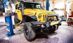 Внедорожник Джип создавался с огромным запасом прочности, но и он иногда нуждается в ТО. В Москве на этой категории машин специализируется автосервис DA VINCI, предлагающий клиентам качественное и быстрое обслуживание. Jeep, Monster Trucks, Vehicles, Rolling Stock, Jeeps, Vehicle