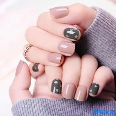 Our experts researched dozens of the best nail polish brands. We picked the best in each category. You will be surprised by our top picks. Best Nail Polish Brands, Nail Polish Colors, Nail Swag, Star Nail Designs, Star Nails, Nails 2018, Trendy Nail Art, Nagel Gel, Holiday Nails