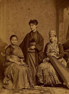 The first female doctors from India, Japan and Syria, as students at the Women's Medical College of Pennsylvania in (Photo: Legacy Center Archives, Drexel University College of Medicine) Historical photos circulating depict women medical pioneers Women In History, Black History, Photo Vintage, Medical College, Medical School, Medical Students, Female Doctor, Woman Doctor, History Channel