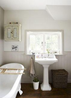 8 classy country bathroom ideas - houspire diy home décor ва Cottage Style Bathrooms, Rustic Bathrooms, Modern Bathroom, Master Bathroom, Vanity Bathroom, Bathroom Bath, Vintage Bathrooms, Bath Room, Bathroom Storage