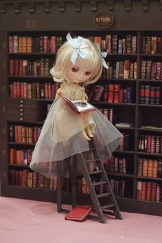 Blythe in the library.