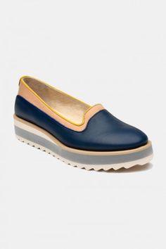 Zapatos para Mujer Modelo Sour Candy. Los mejores amigos de todas las chicas, siempre listos para completar nuestros outfits sea invierno o sea verano; estamos hablando claro de los zapatos de mujer. Adorna tus piernas y todos tus looks con increíbles zapatos de mujer que reflejen tu estilo y acompañen tu ropa y que incluso sean el centro de atención. Encuentra los modelos más increíbles de zapatos de mujer en Fashoop visitando https://www.fashoop.com/mujer/zapatos-de-mujer.html