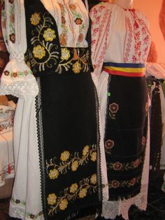 Historical Costume, Ethnic, Germany, Costumes, Fashion, Bass Drum, Cross Stitch, Moda, Dress Up Outfits