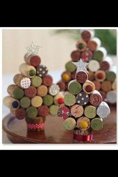 Cute cork idea for Christmas.
