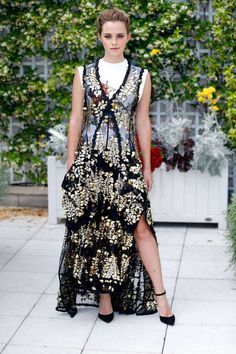 0f28e12b91be 83 Best Aisle Street Style images in 2016 | White people, Woman ...
