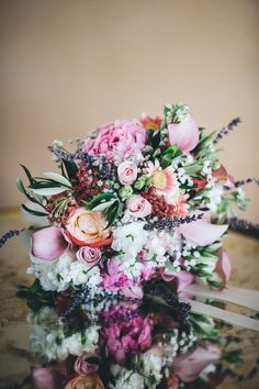 Vintage and Rustic Wedding Bouquet - www.myvintageweddingportugal.com | #weddinginportugal #vintageweddinginportugal #vintagewedding #portugalwedding #myvintageweddinginportugal #rusticwedding #rusticweddinginportugal #thequinta #weddinginsintra #summerweddinginportugal