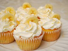 Banana Cream Pie Cupcakes - These cupcakes would be perfect for a picnic or a spring/summertime party. If you have a Southern inspired meal, these would also be a great dessert option. Cupcake Flavors, Cupcake Recipes, Cupcake Cakes, Dessert Recipes, Cupcake Ideas, Dessert Ideas, Banana Cream Cupcakes, Mocha Cupcakes, Strawberry Cupcakes