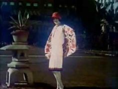 Fashion of the 1920's - Video    Love the top at around 1:59 and the outfit at 2:34!