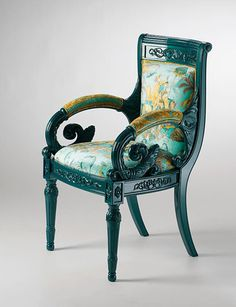 Versace Home Casa Versace, Versace Home, Classic Furniture, Luxury Furniture, Furniture Design, Funky Chairs, Antique Chairs, Green Rooms, Painted Chairs