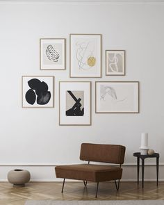unique home accents Stunning Abstract Art Wall Inspiration with black accents. Scandinavian living room with art wall. Minimal poster design available from The Poster Club. Inspiration Wand, Industrial Wall Art, Scandinavian Living, Scandinavian Wall Decor, Nordic Living Room, Cheap Home Decor, Home Decor Accessories, Living Room Decor, Living Room Prints
