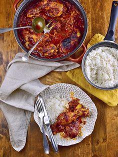 Kuřecí stehna v rajské omáčce s vínem Curry, Ethnic Recipes, Food, Curries, Hoods, Meals