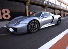 Chris Harris drives the super high tech Porsche 918 Spyder hybrid hypercar on track. Many doubted Porsche when they unveiled the 918 Spyder hybrid hypercar. On paper at least it … Porsche 918, Exotic Sports Cars, Exotic Cars, Dream Cars, Detroit Motors, Go Car, Pretty Cars, Sweet Cars, Triumph Motorcycles
