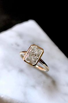 Minda's Ideas: Fancy Accessories Ideas to Get You Through the Long Season in Style 2019 Radiant Engagement Rings, Dream Engagement Rings, Radiant Cut Diamond, Diamond Cuts, Gold Pearl Necklace, Diamond Are A Girls Best Friend, Bling, Wedding Rings, Women's Fashion