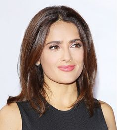 Flawless Skin Remedies The Mexican Ingredient Salma Hayek Swears by for Flawless Skin - Naturally, we had to know more about this little-known, exotic ingredient Hayek says is responsible for her flawless skin, so we did some research into the topic. Beauty Secrets, Beauty Hacks, Beauty Tips, Beauty Supply Near Me, Telenovela Teresa, Beauty Skin, Hair Beauty, Mexican Hairstyles, Salma Hayek Pictures