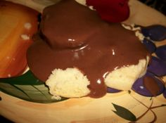 Chocolate Gravy (The Best Recipe Ever!) never heard of this untill I became a flowers Chocolate Gravy Recipe, Homemade Chocolate, Chocolate Recipes, Homemade Meatloaf, Good Food, Yummy Food, Best Food Ever, How Sweet Eats, Brownie Recipes