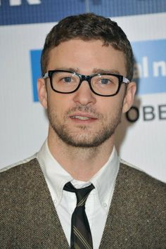 23 Pictures That Prove Glasses Make Guys Look Obscenely Hot