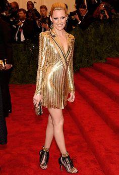 Met Gala 2013: Elizabeth Banks in Versace