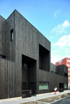 Image 5 of 21 from gallery of Dunkerque Logements / RemingtonStyle. Courtesy of RemingtonStyle Timber Architecture, Timber Buildings, Education Architecture, Architecture Design, Arch Building, Wooden Facade, Brick And Wood, Timber Cladding, Facade Design