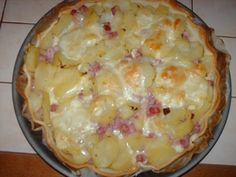 Tarte façon raclette – home acssesories Pizza Cake, Cake Factory, Quiche Lorraine, Savoury Cake, Entrees, Macaroni And Cheese, Food And Drink, Tasty, Pizza