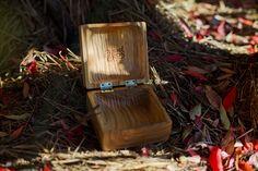 Naturalne opakowanie naszego filmu ślubnego #zcharakterem wyrzeźbione ręcznie z jednolitego kawałka drewna wiśniowego! Tylko jeden taki egzemplarz na świecie. #wood #wedding #rustical #natural #eko