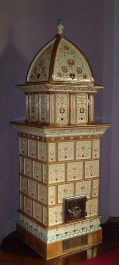 Zsolnay cserépkályha Potters Clay, Budapest Travel, Cast Iron Stove, Vintage Stoves, Antique Stove, Stone Masonry, Budapest Hungary, Architectural Elements, Porcelain Ceramics