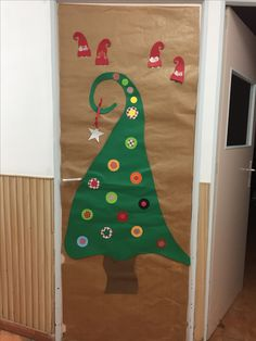 Puerta elfos navidad