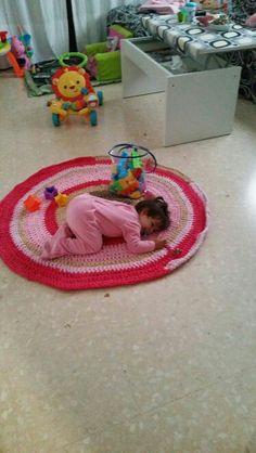 Alfombra de trapillo para niña