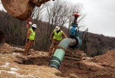Secrecy over fracking chemicals clouds environmental risks, advocates say. Despite a report that links practice to contaminated drinking water, list of more than chemicals used during fracking process remains unknown to public Oil Jobs, Shale Gas, Oil Industry, Energy Companies, Obama Administration, Oil And Gas, Drinking Water, Climate Change, World