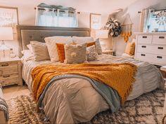 Teen Room Decor, Room Ideas Bedroom, Home Bedroom, Bedroom Decor, Bedroom Inspo, Cowgirl Room, Dorm Room Designs, Aesthetic Room Decor, My New Room