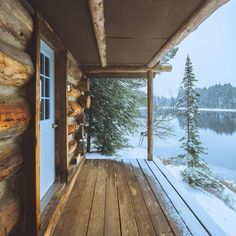 Want to experience the goodness of living in a country-style house and away from the city, and if you love hands-on, log cabin kits is the solution. Easy Woodworking Ideas, Woodworking Plans, Woodworking Beginner, Cabin Homes, Log Homes, Beautiful Homes, Beautiful Places, Beautiful Mind, Log Cabin Living