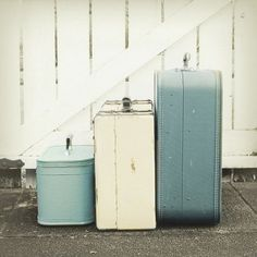 Trendy Ideas For Kitchen Paint Blue Grey Design Seeds Vintage Suitcases, Vintage Luggage, Vintage Travel, Vintage Bags, Vintage Decor, Vintage Furniture, Vintage Color Schemes, Vintage Colors, Retro Colours