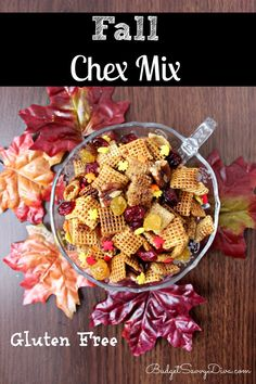 Chex Mix Do you like Chex Mix? This is the recipe for you - pecans, brown sugar, dried cranberries -- plus it is gluten - freeDo you like Chex Mix? This is the recipe for you - pecans, brown sugar, dried cranberries -- plus it is gluten - free Gluten Free Thanksgiving, Thanksgiving Recipes, Fall Recipes, Holiday Recipes, Fall Snacks, Fall Treats, Holiday Treats, Sin Gluten, Bento