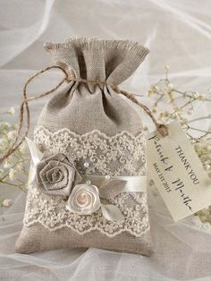 beautiful wedding favors rustic vintage style burlap sack lace decoration
