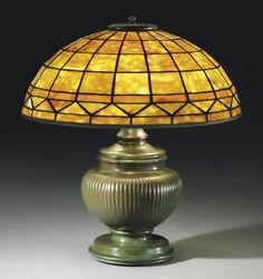 TIFFANY STUDIOS -  A 'COLONIAL' TABLE LAMP, CIRCA 1910
