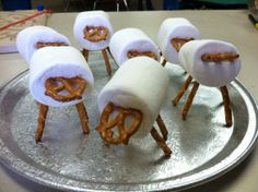 You've heard me say it before, I love a good theme snack--especially when teaching preschoolers. Since we are now in week three of the Christmas lessons, this shepherd week. There's an unwritten pa...