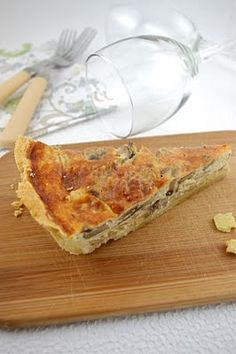 MUSHROOM & CARAMELIZED ONION QUICHE