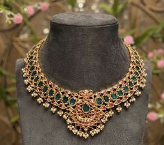 How To Make This Stunning Right Angle Weave Bracelet Pattern Indian Wedding Jewelry, Wedding Jewelry Sets, Indian Jewelry, Bridal Jewellery, Gold Jewellery Design, Gold Jewelry, Beaded Jewelry, Jewelery, Antique Necklace