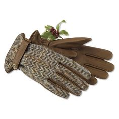 Just found this Tweed and Leather Gloves - Harris Tweed and Leather Gloves -- Orvis on Orvis.com!