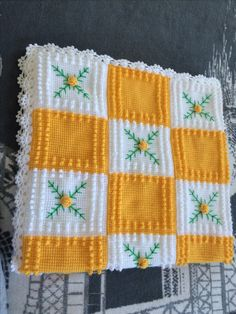 Filet Crochet, Crochet Projects, Crochet Patterns, Quilts, Blanket, Granny Squares, Womens Fashion Outfits, Tejidos, Comforters