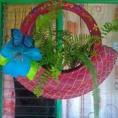 Home Decoration; Tire Planters, Flower Planters, Flower Pots, Tire Garden, Garden Deco, Old Cd Crafts, Diy Crafts, Tire Craft, Reuse Old Tires