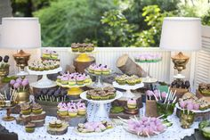 Louisville Wedding Blog - The Local Louisville KY wedding resource: {Daily Wedding Bits} Wedding Dessert Tables