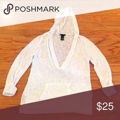 Beautiful Women's hooded white sweater Size 14/16 Lane Bryant Sweaters