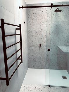 Bathroom Design Small, Bathroom Interior Design, Bathroom Designs, Bathroom Renos, Bathroom Showers, Indonesian House, Bathroom Inspo, Bathroom Ideas, Real Estate Office