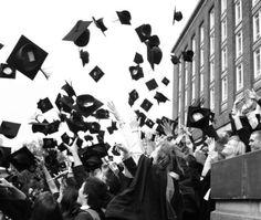 He terminado la Universidad! Después de 4 años en la universidad Rey Juan Carlos, soy graduada en Publicidad y RR.PP.!!!!!