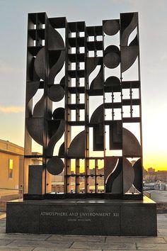 List of Louise Nevelson public art works - Wikiwand Louise Nevelson, Sculpture Metal, Cardboard Sculpture, Outdoor Sculpture, Wassily Kandinsky, Philadelphia Museum Of Art, Assemblage Art, Public Art, Oldenburg