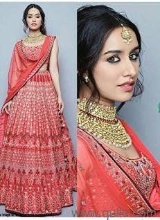 Shraddha Kapoor Pink beautiful lehengha choli designs crafted by Indian designer for modern girls. This beautiful Lehenga Choli are very appropriate for engagement functions to show off the versatile look. lehenga is in heavy taffeta silk , blouse is in t Indian Lehenga, Bollywood Lehenga, Red Lehenga, Bollywood Fashion, Lehenga Choli, Bollywood Style, Shraddha Kapoor Lehenga, Sabyasachi, Choli Designs